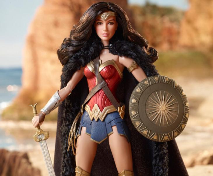 muñeca de la mujer maravilla