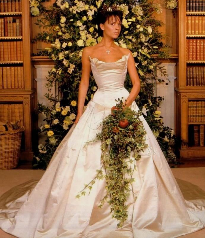 86ddae70ba 15 Costosos vestidos de novia de las celebridades