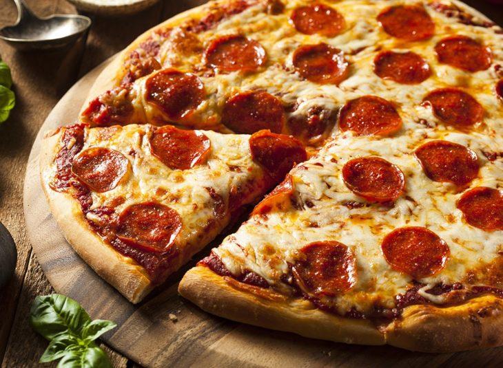 pizza con grasa