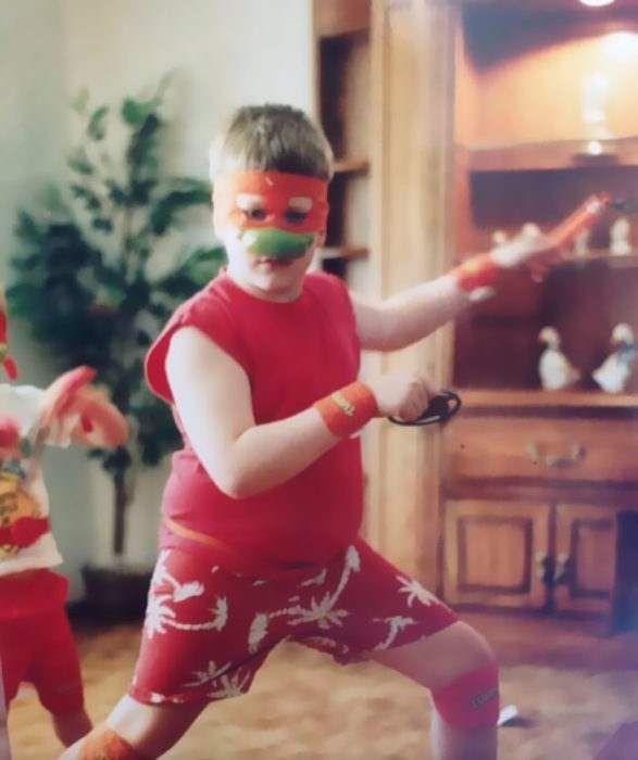 niño tortuga ninja
