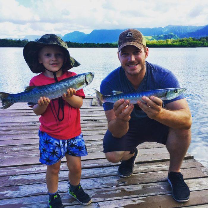 Chriss Pratt junto a su hijo un día de pesca