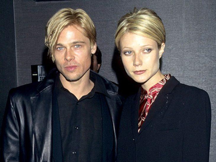 hombre y mujer rubios