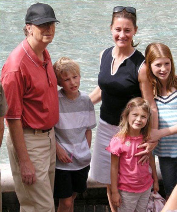 Jennifer, Phoebe y Rory Gates