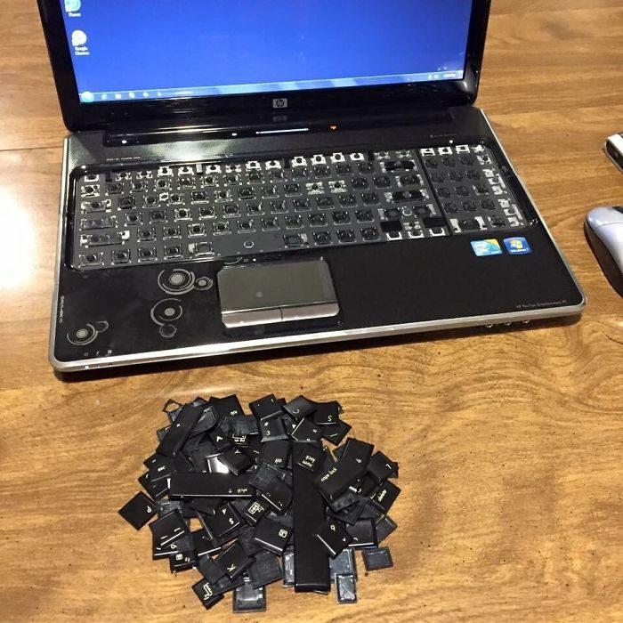 niño computadora