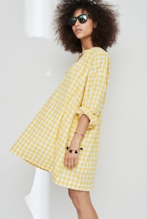 Vestido de mangas amarillo