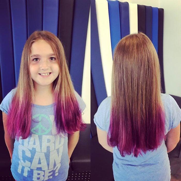 Niña con cabello de colores