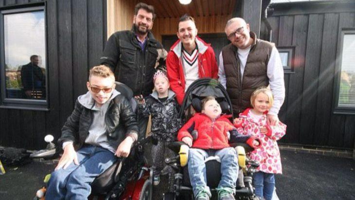 familia Ratcliffe con niños con discapacidades