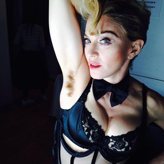 Madonna axilas peludas