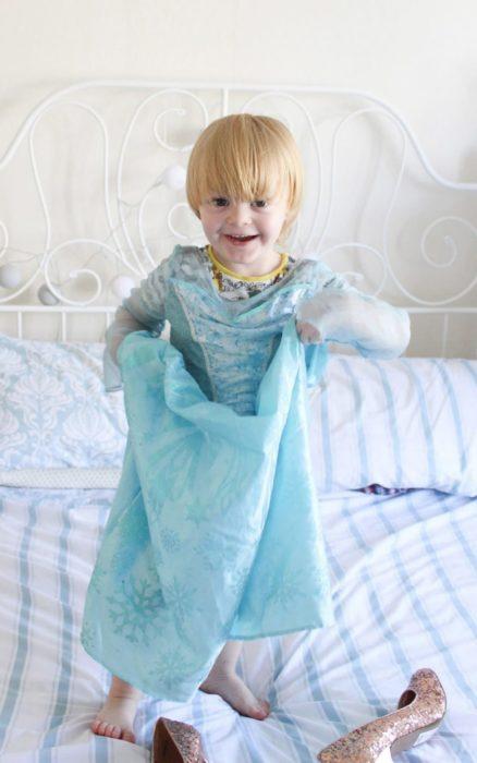 Niño princesa elsa