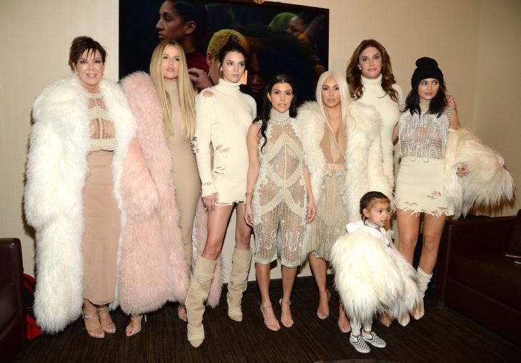 familia kardashian dona medio millon a victimas de harvey
