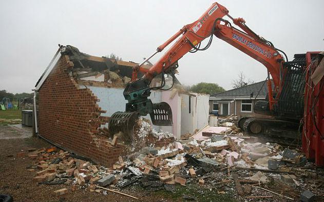 demolición de la casa antigua de los Ratcliffe