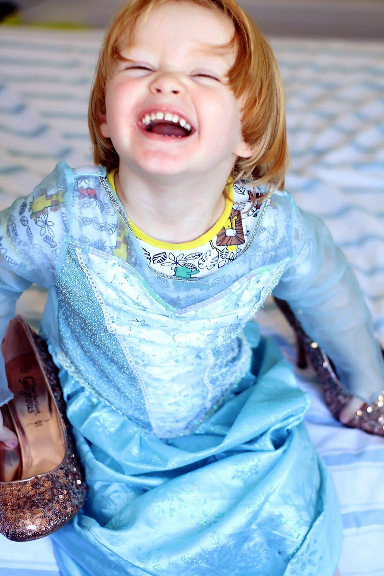Disneyland París no permite que niño sea Princesa por un día