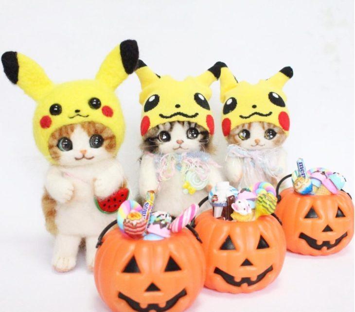 gatitos de lana con sombrero de pikachu