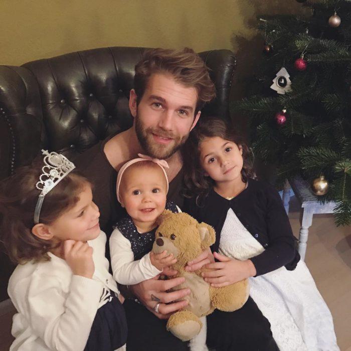 Andre Hamann y sus sobrinas