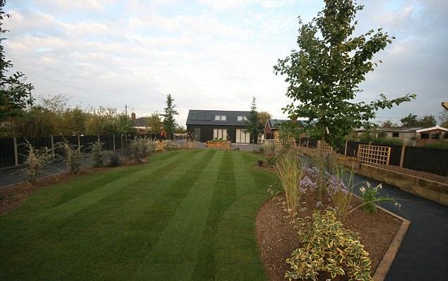 espacio para el jardin de la casa ratcliffe