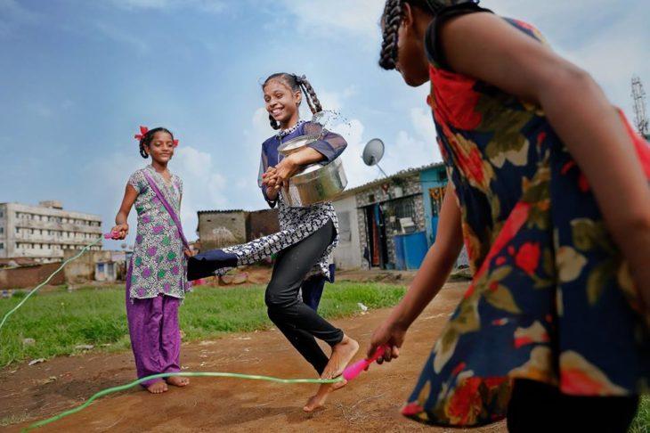 niñas hindu jugando dream big princess