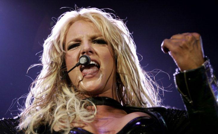 Britney Spears cantando