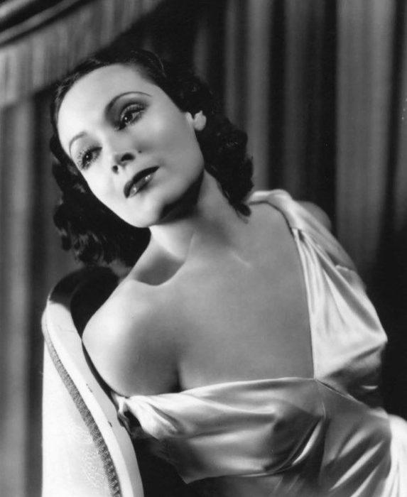 Dolores del Río sensual