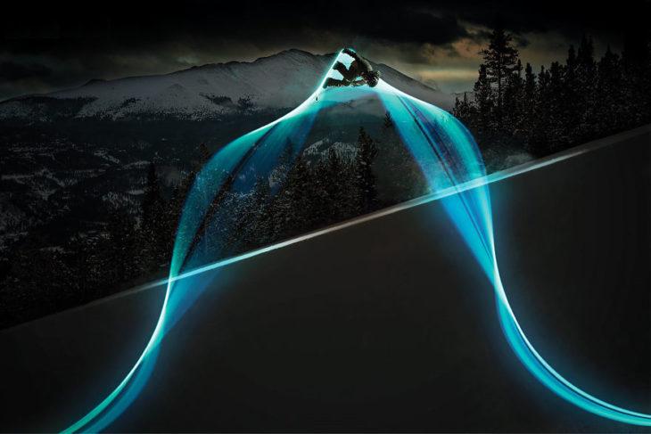 la trayectoria de un snowboarding man