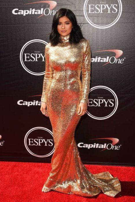 Kylie Jenner 2015 dorado