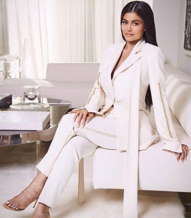 Kylie Jenner 2017 en su lanzamiento de maquillaje