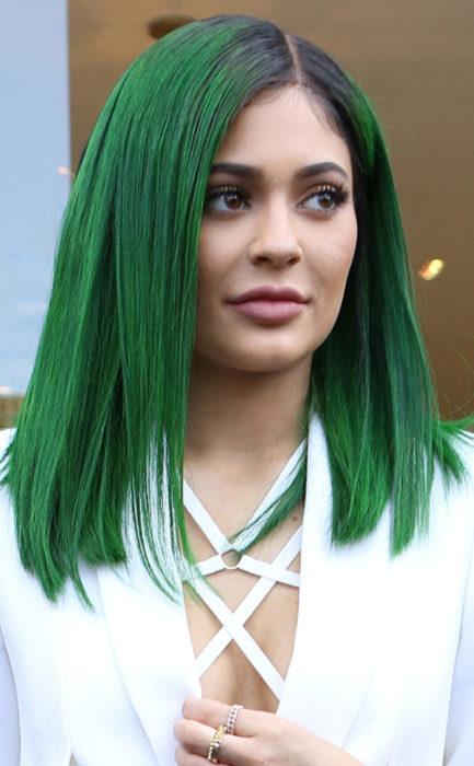 Kylie Jenner cabello verde
