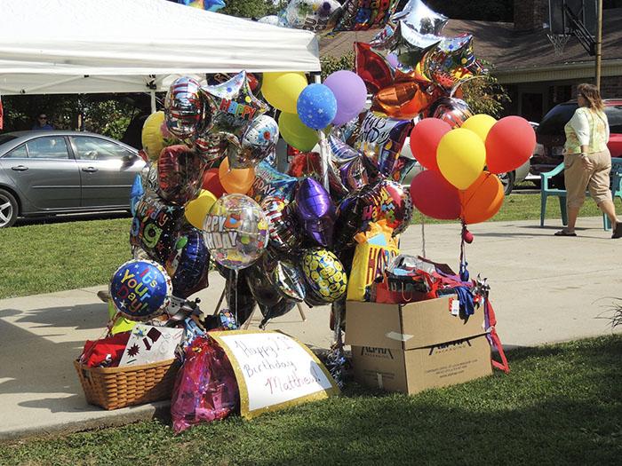 globos de helio de feliz cumpleaños