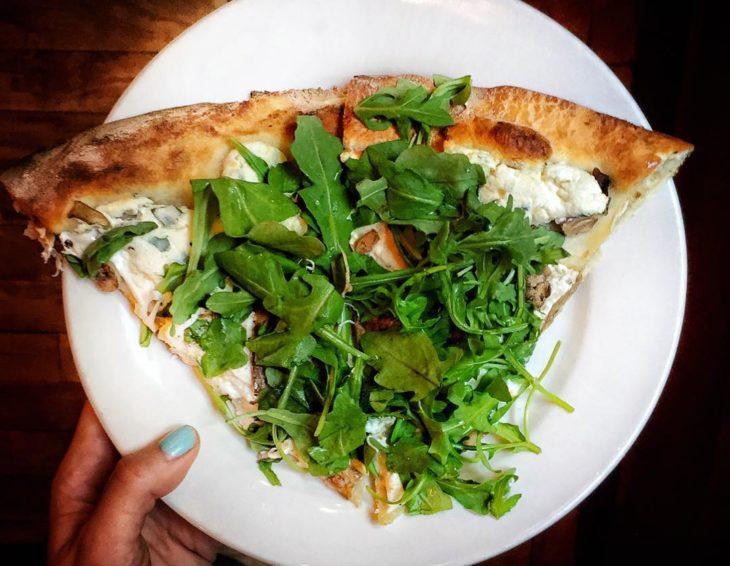 Chica que consumió pizza durante una semana para perder peso