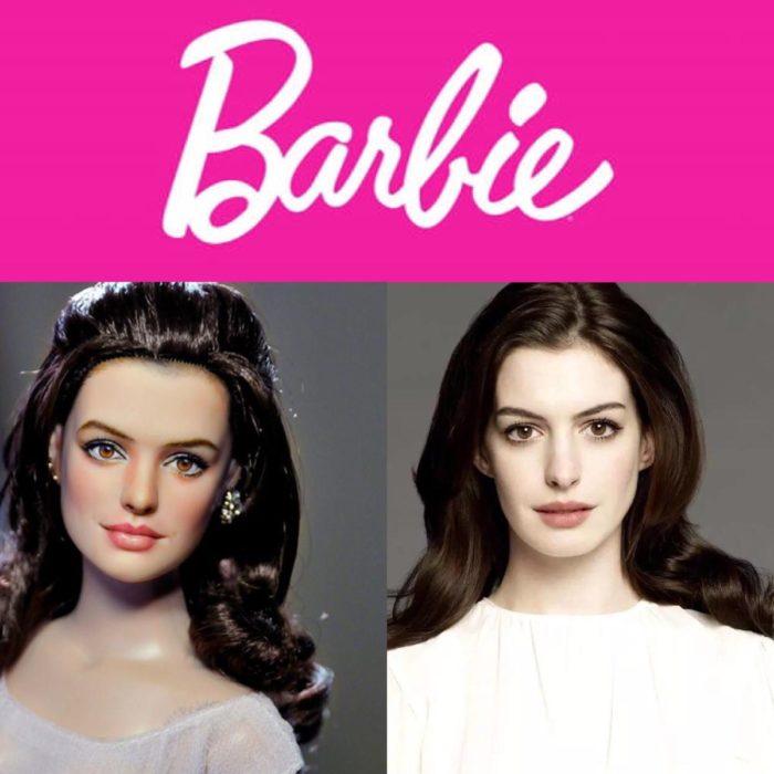 Barbie y mujer blanca cabello negro y muñeca