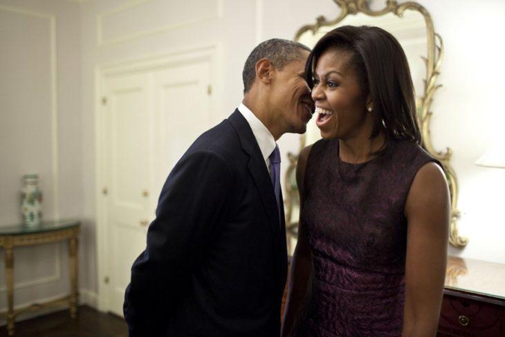pareja de esposos sonriendo