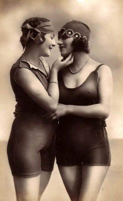 chicas en traje de baño vintage