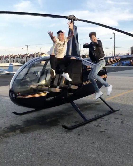 Juampa Zurita saltando desde un helicóptero