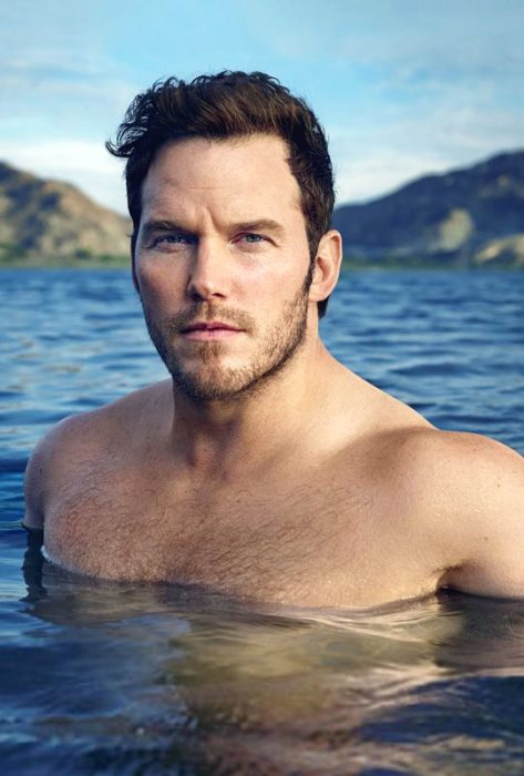 Chico dentro del mar Chris Pratt