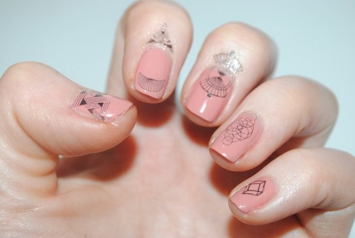 uñas de color nude