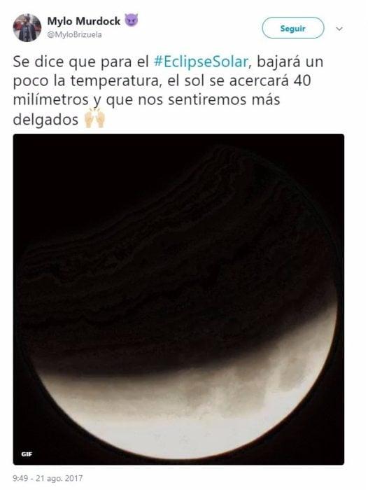 Tuit sobre el eclipse de sol