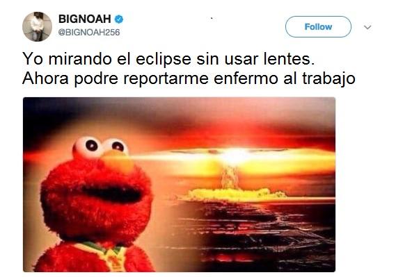 Elmo viendo el cielo