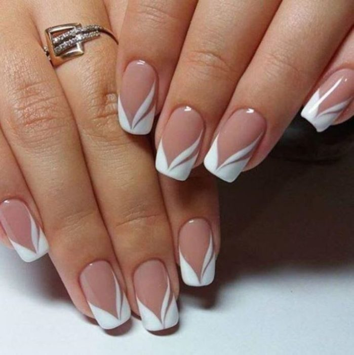 diseño de uñas francés
