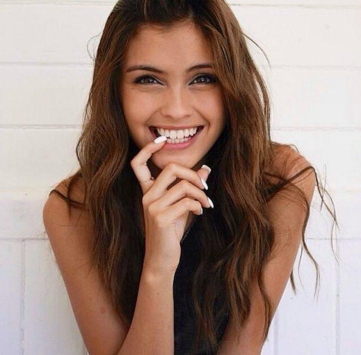 chica sonriendo