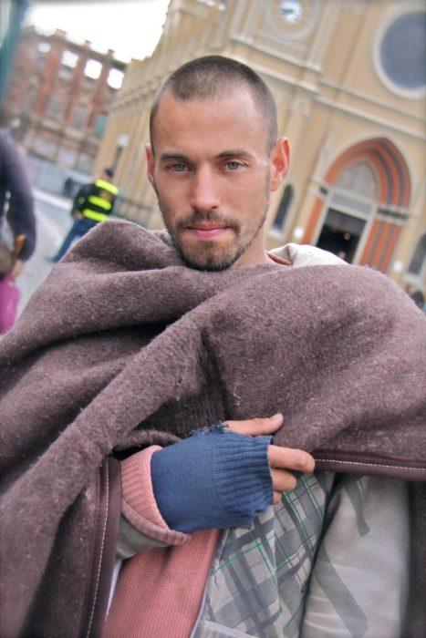 rafael modelo que vive en las calles