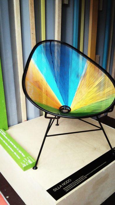 silla acapulco tejida de colores