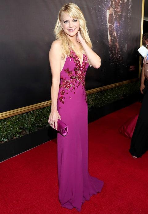 Anna Faris en los Emmy 2017