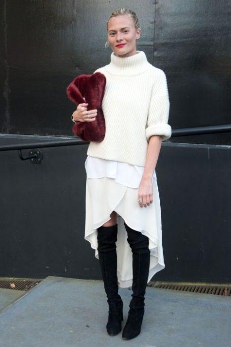 vestido blanco sueter chunky botas