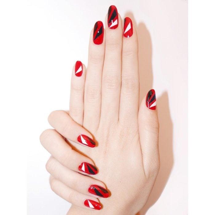 Alicia Torello uñas