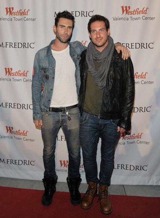 Adam Levine y su hermano Michael Levine
