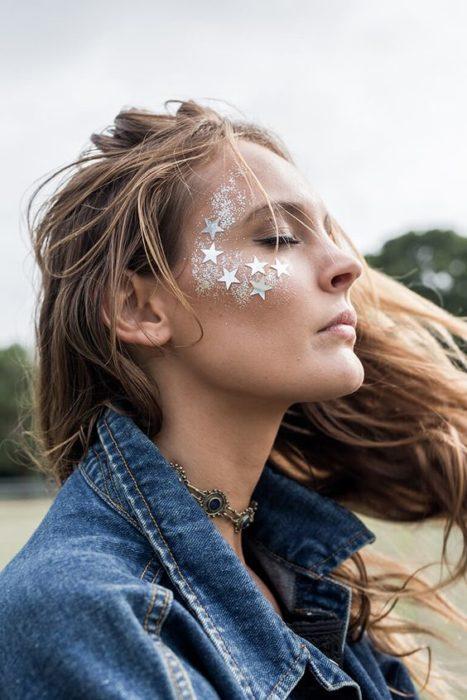 mejillas con estrellas