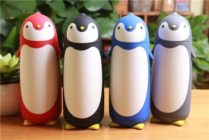 botella de agua de pinguino