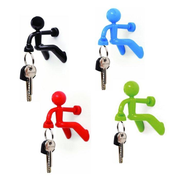 muñeco sujeta llaves