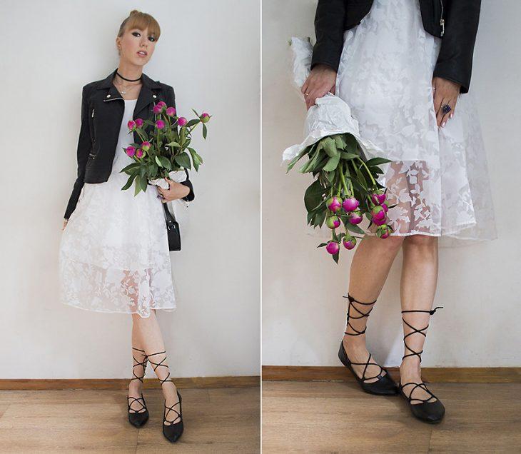Chica usando flats de bailarinas con vestido de encaje