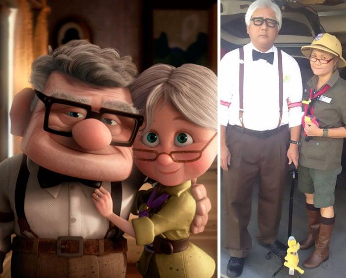 Abuelos disfrazados como carl y Ellie de up
