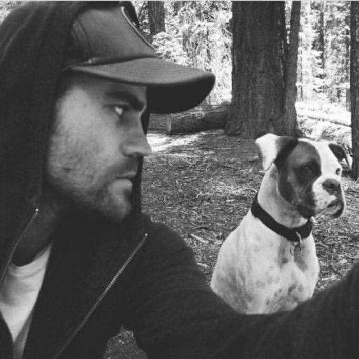 Famosos con sus perros; Paul Wesley